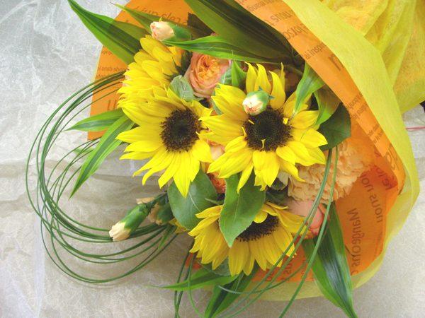 画像1: H-02 元気が出ちゃうビタミンカラーの花束